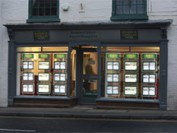 Estate Agent takes advantage of LED displays