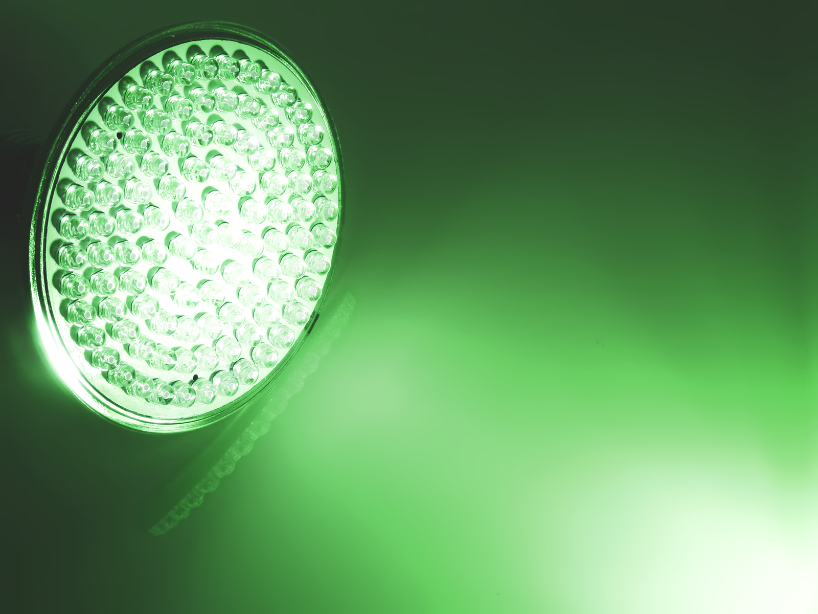 Could Green LED Light Relieve Chronic Pain?