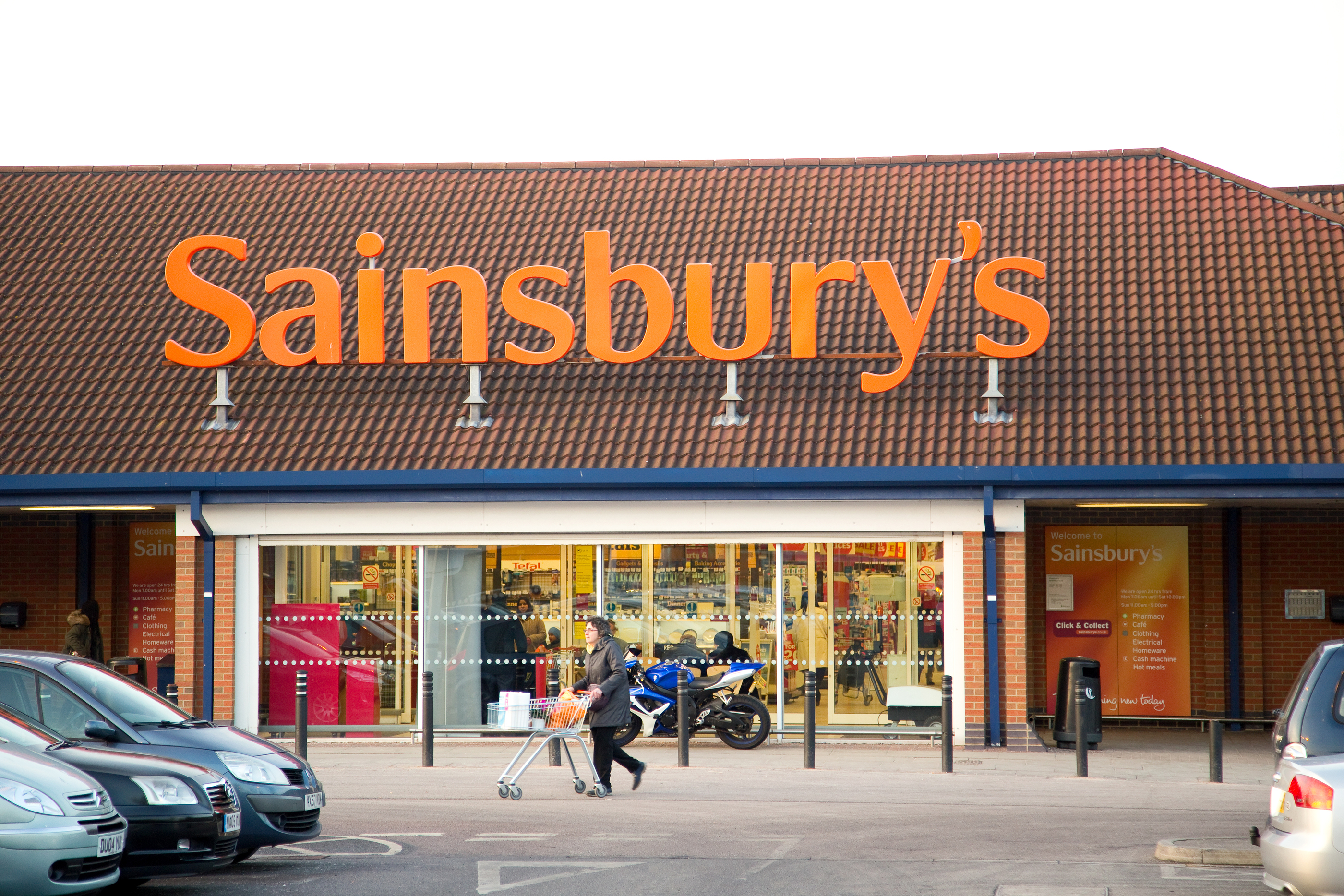 Sainsbury's Launches Weather-Responsive LED Electronic Billboards