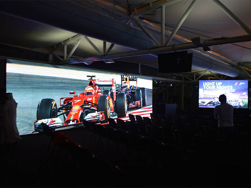 300ft LED Screen Takes Centre Stage At Re:Invent 2017