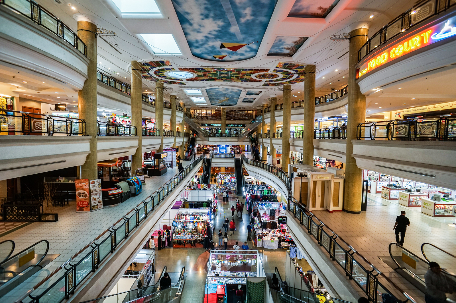 Malls Must Use Tech To Change Shopping Experience