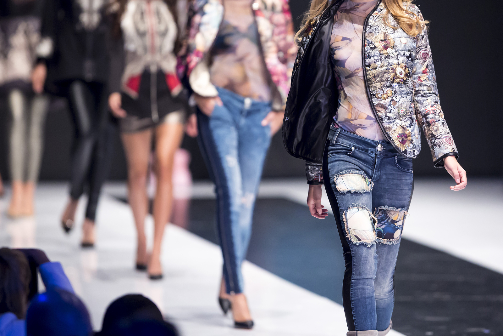 LED Panels Light Up Paris Catwalk