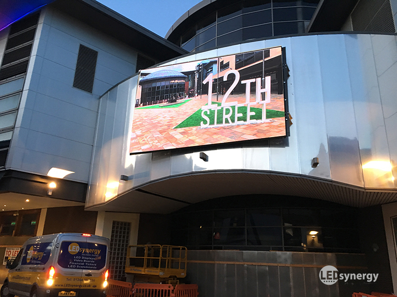 Large Outdoor Led Screens Amp Displays Led Synergy